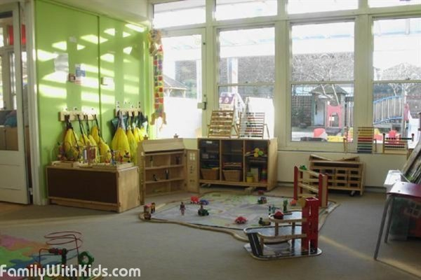 Selhurst Nursery School and Children's Centre, private kindergarten for kids from 2 to 4.5 years old in Croydon, London, UK